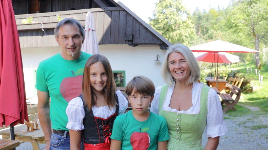 Buschenschenke Krainz, Familie, Keutschach, © DerHandler